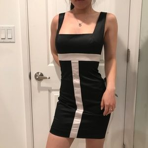 💝NWT💝 Bebe sexy satin-like body dress size 6